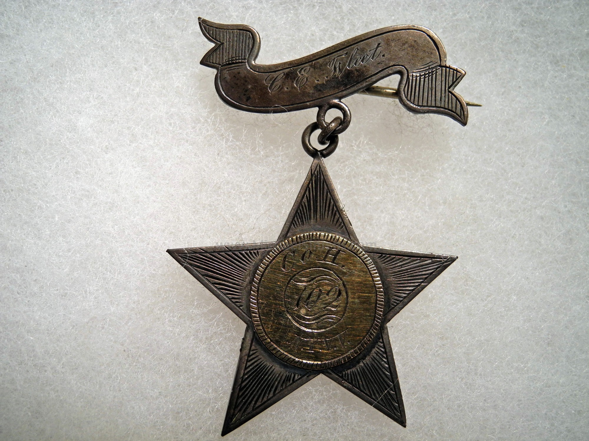 CORPS BADGE OF SOLID GOLD & SILVER, CIVIL WAR - 102nd NEW YORK