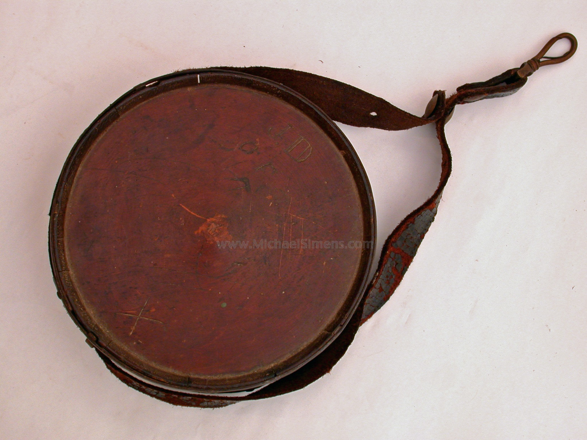CONFEDERATE CEDARWOOD CANTEEN WITH CAVALRY-STYLE SHORT-STRAP.