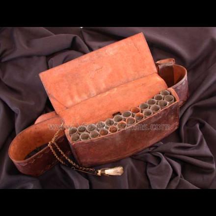 FEDERAL PERIOD MILITIA BELLY BOX.